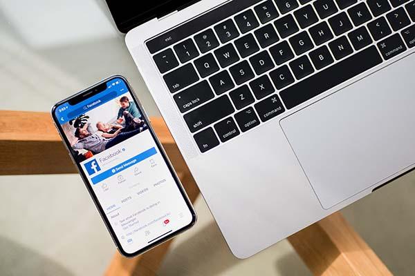 Social Media Facebook Videos